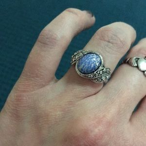 "Vintage Avon""blue opalesque"" ring size 5"